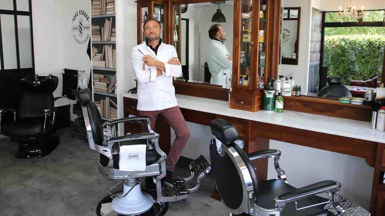 barbier de l'homme de jeu